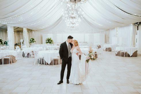 Stylizowana sesja ślubna – Miętowe Wzgórza