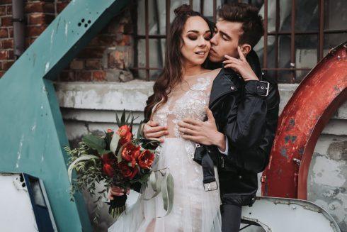 Sesja ślubna w stylu brutal wedding w Warszawie