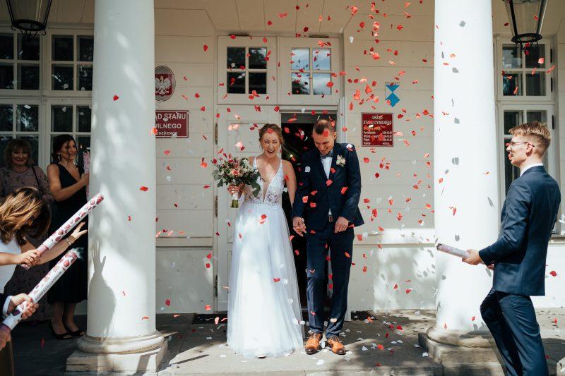 płatki róży cofnettii na ślub